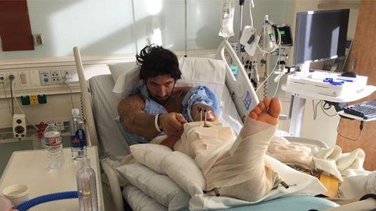 Walter Nudo finisce in ospedale: la foto su Facebook preoccupa i fan