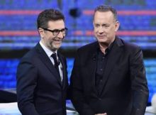 "Fabio Fazio (L) and US actor Tom Hanks attend the 'Che tempo che fa"" TV Show on January 14, 2018 in Milan, Italy. ANSA/FLAVIO LO SCALZO"