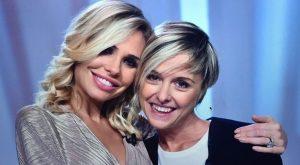 Nadia Toffa, Ilary Blasi non va ai funerali: insulti choc sui social. «Sta ...