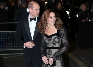 Kate Middleton fa la diva di Hollywood e ruba il posto a Meg
