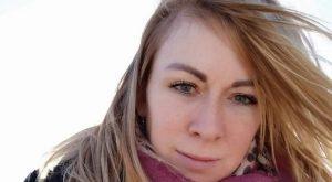 Mamma 41enne uccisa a coltellate in un bar davanti alle figl