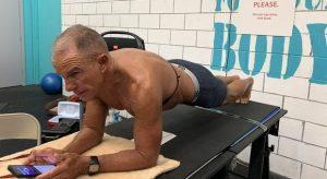 Plank, nuovo record mondiale di durata: più di otto ore. Lo