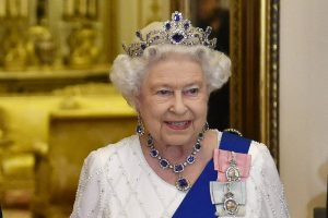 Coronavirus, le regina Elisabetta stasera parlerà in tv: ecc