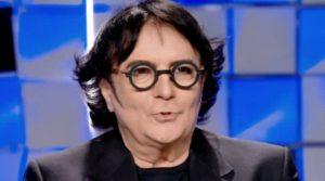 Renato Zero, il dramma segreto a Verissimo: «Ho rischiato di morire. La sensazione del piede nell'aldilà…». Silvia Toffanin commossa