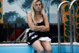 lory-del-santo-piscina-gf-vip