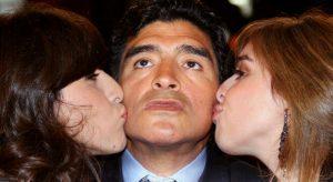 Diego Armando Maradona |  tutte le sue donne |  la moglie Claudia |  le figlie |  le madri dei figli e quel flirt con Heather Parisi