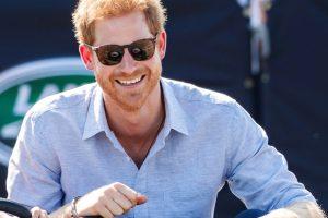 Il principe Harry è andato nel panico quando ha saputo del ricovero della regina